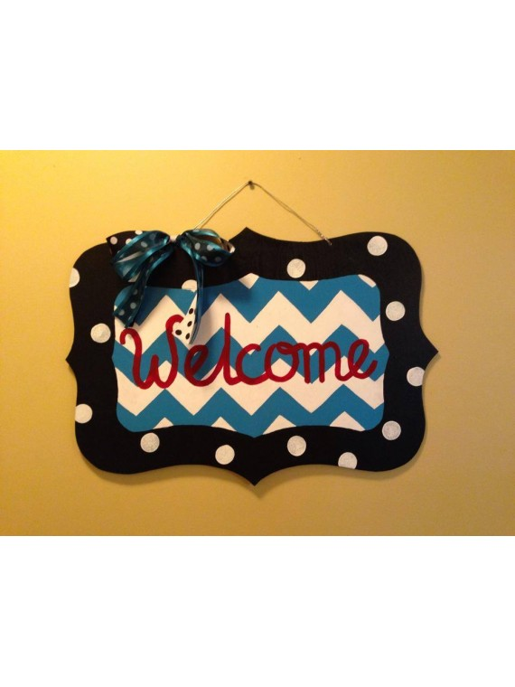 Scalloped Welcome Hanger
