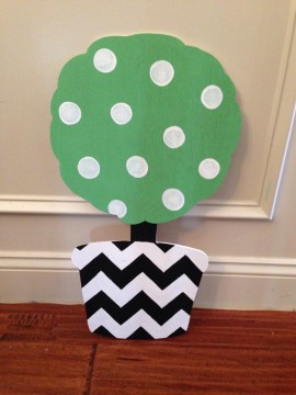 Topiary Door Hanger